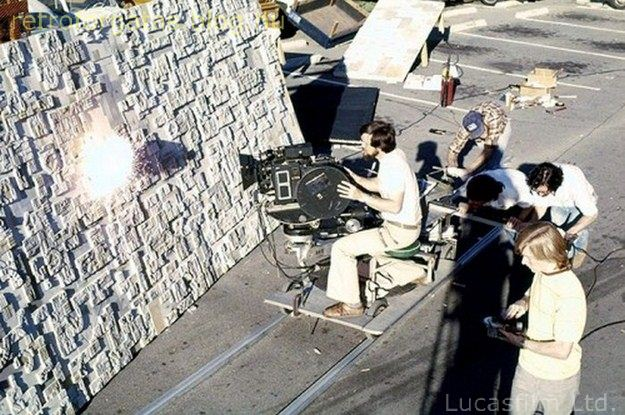 a-behind-the-scenes-look-at-the-special-effects-of-star-wars-07.jpg