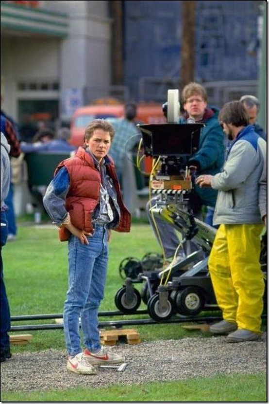 back-to-the-future-behind-the-scenes-set-photos-2_thumb.jpg