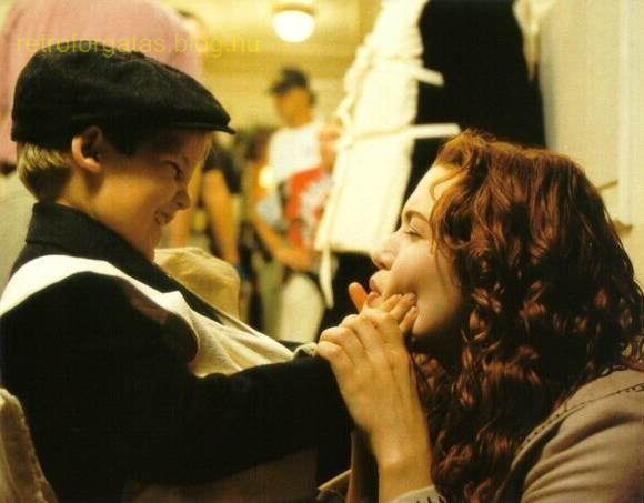 behind-the-scenes-titanic-8653813-580-453.jpg