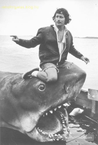 behind_the_scenes_awesomeness_jaws_franchise_14_zps4i7auvvv_1.jpg