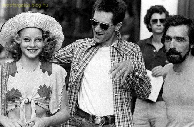 jodie-foster-robert-de-niro-and-martin-scorsese-on-the-set-of-taxi-driver.jpg