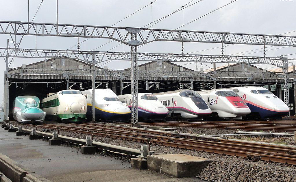1024px-jr_east_shinkansen_lineup_at_niigata_depot_201210.jpg