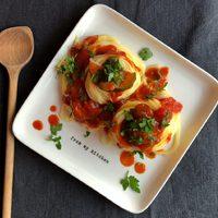 Spagetti arrabiata cukkinivel gazdagítva