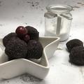 Meggyes - mákos kekszgolyó