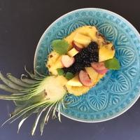 Gyümölcstál másként, avagy hogy készítsünk ananászból csónakot