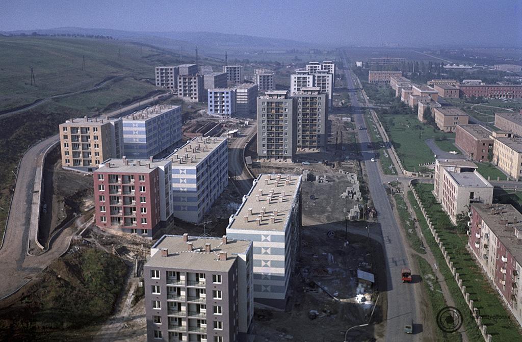 Miskolc, 1968. október 21. A Szentpéteri kapu városrészben épült új lakótelep. MTI Fotó: Kunkovács László