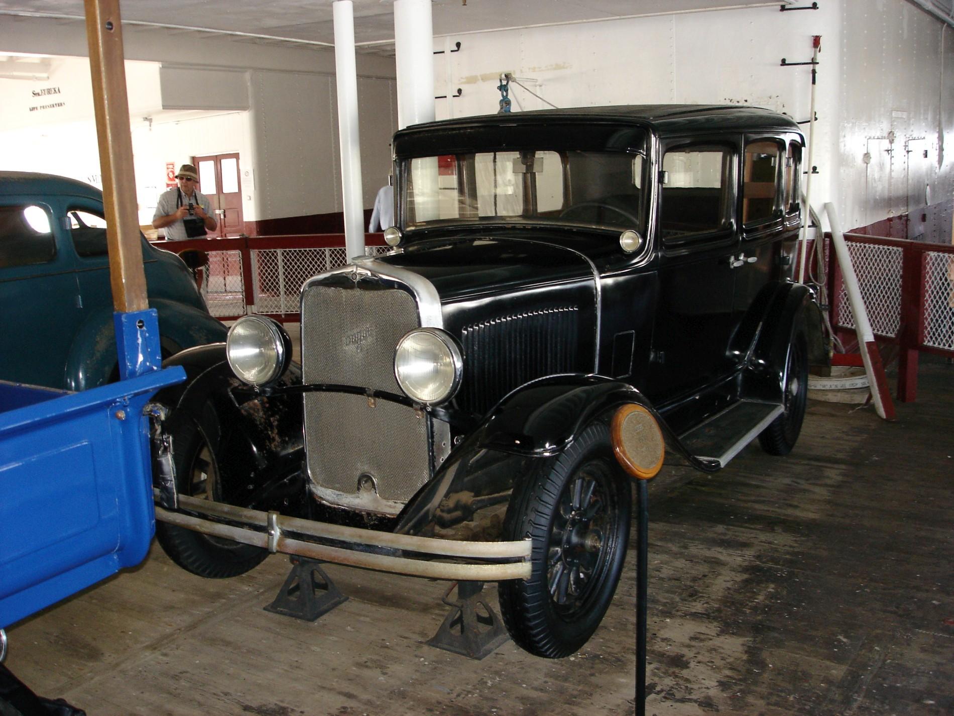 5_1930_dodge_sedan.JPG
