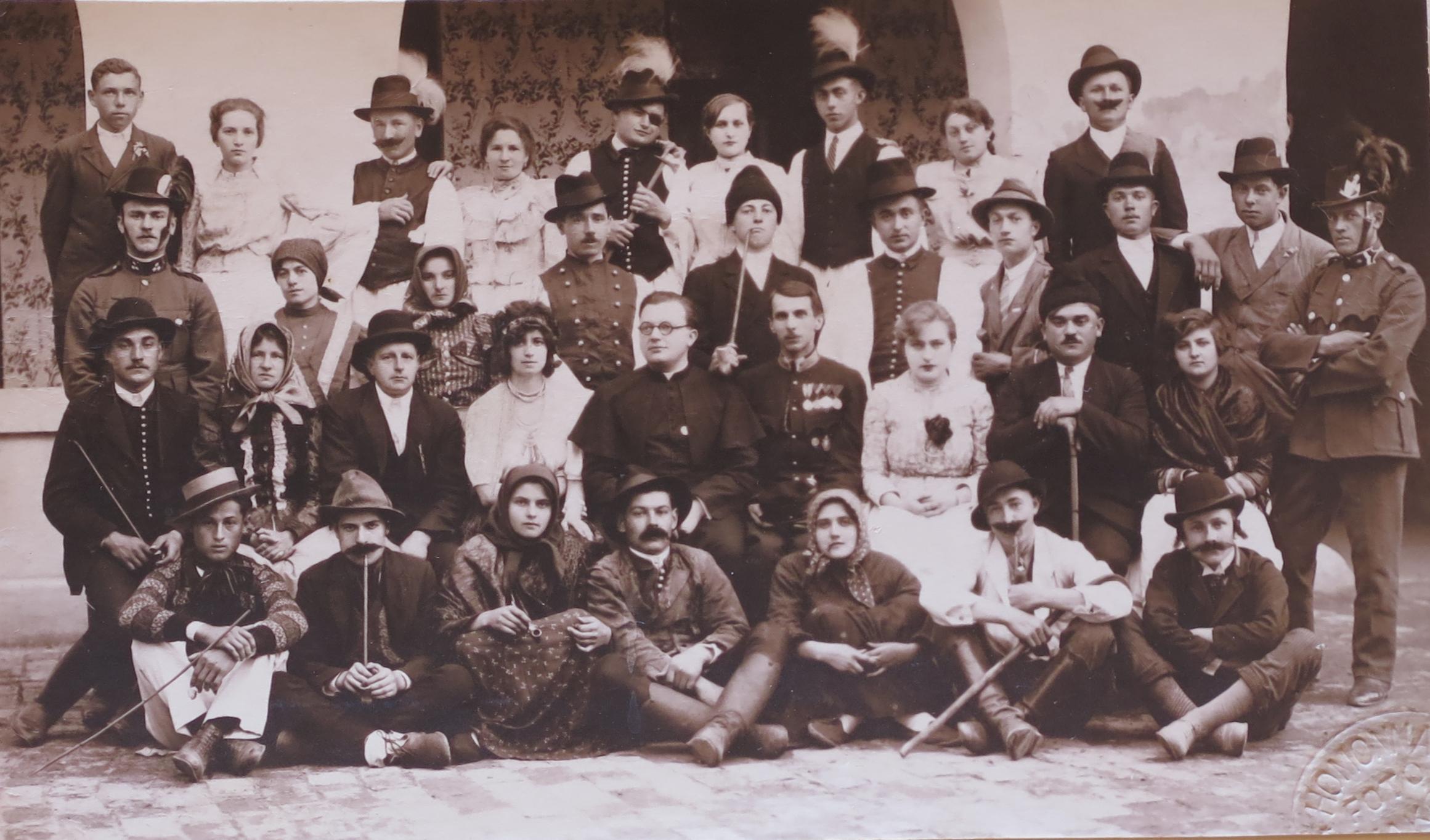 1932b.jpg