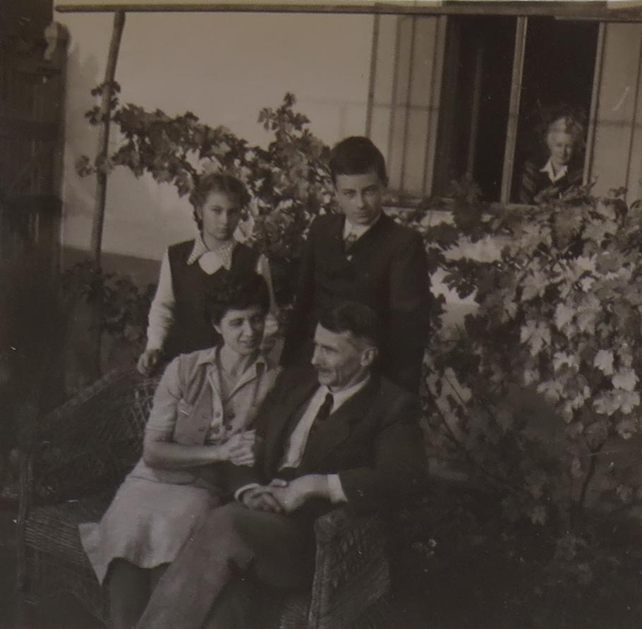 1949_1.jpg