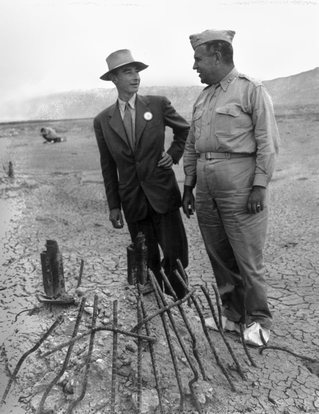 trinity_test_oppenheimer_and_groves_at_ground_zero_002.jpg