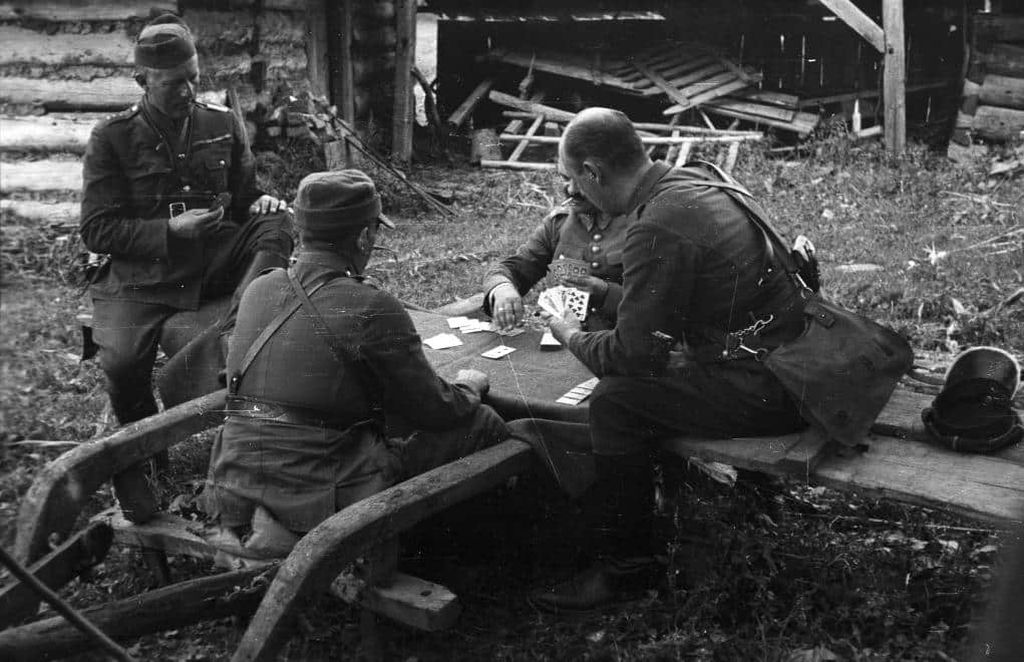 kartyparti-lengyelek-1939.jpg