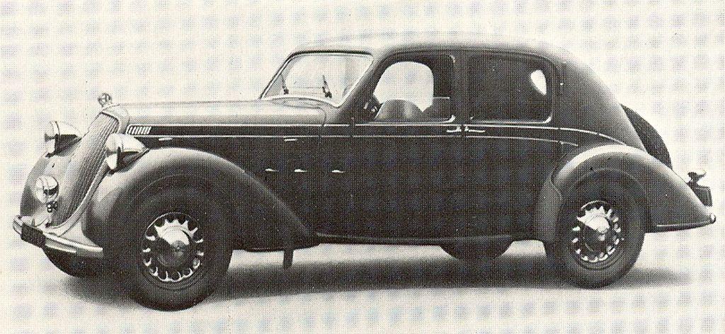 mhv_steyr_220_sedan_1937_01.jpg