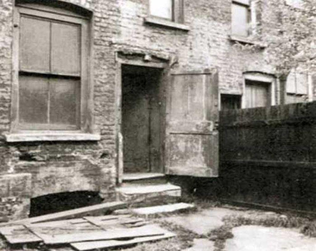 annie_chapman_murder_site_29_hanbury_street.jpg