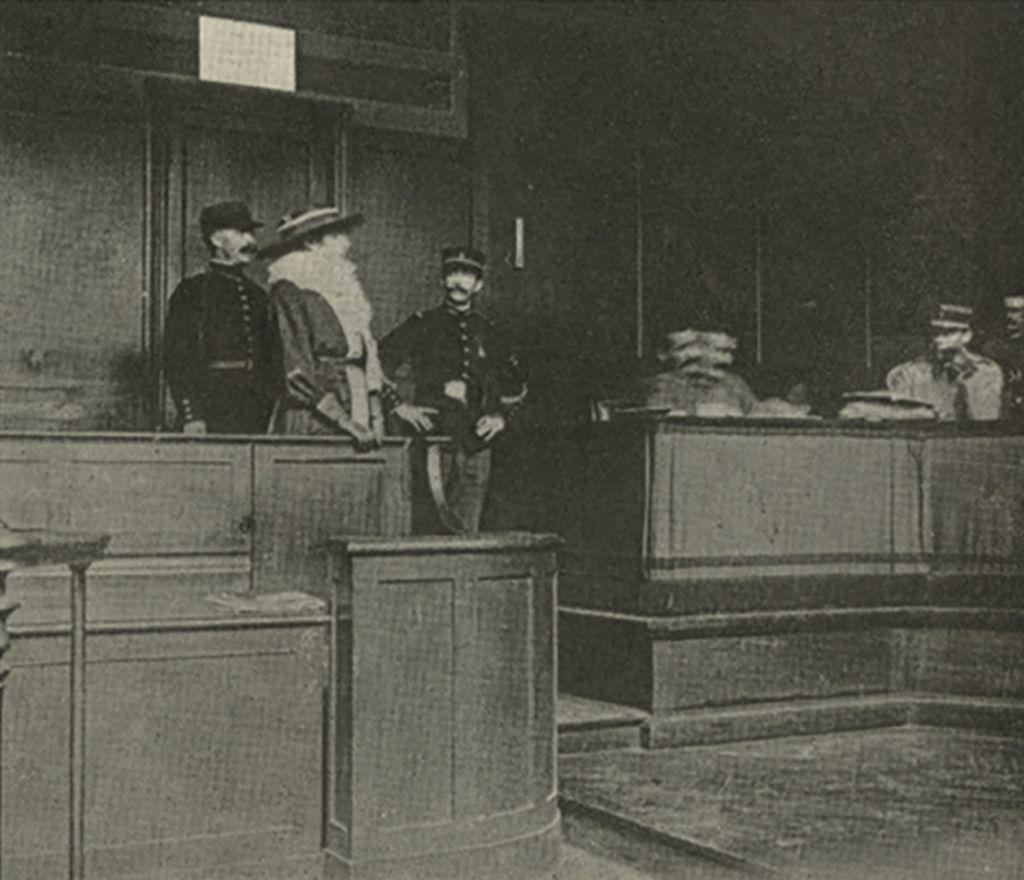mata_hari_appearing_before_the_war_council_photo_circa_1917.jpg