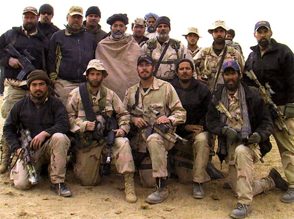 hamid_karzai_and_us_special_forcesoperational_detachment_alpha_574.jpg