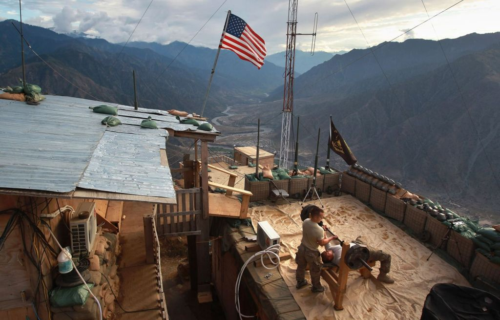 us_soldiers_work_out_at_a_post_in_afghanistan_s_kunar_province_in_september_2011.jpg