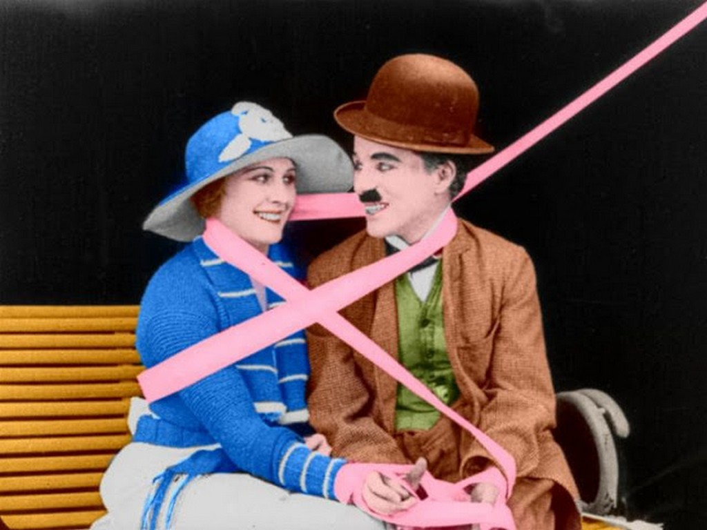 interesting_colorized_photos_of_charlie_chaplin_in_the_1910s-30s_2817_29.jpg