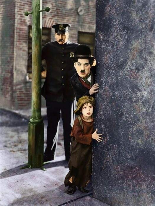interesting_colorized_photos_of_charlie_chaplin_in_the_1910s-30s_281_29.jpg