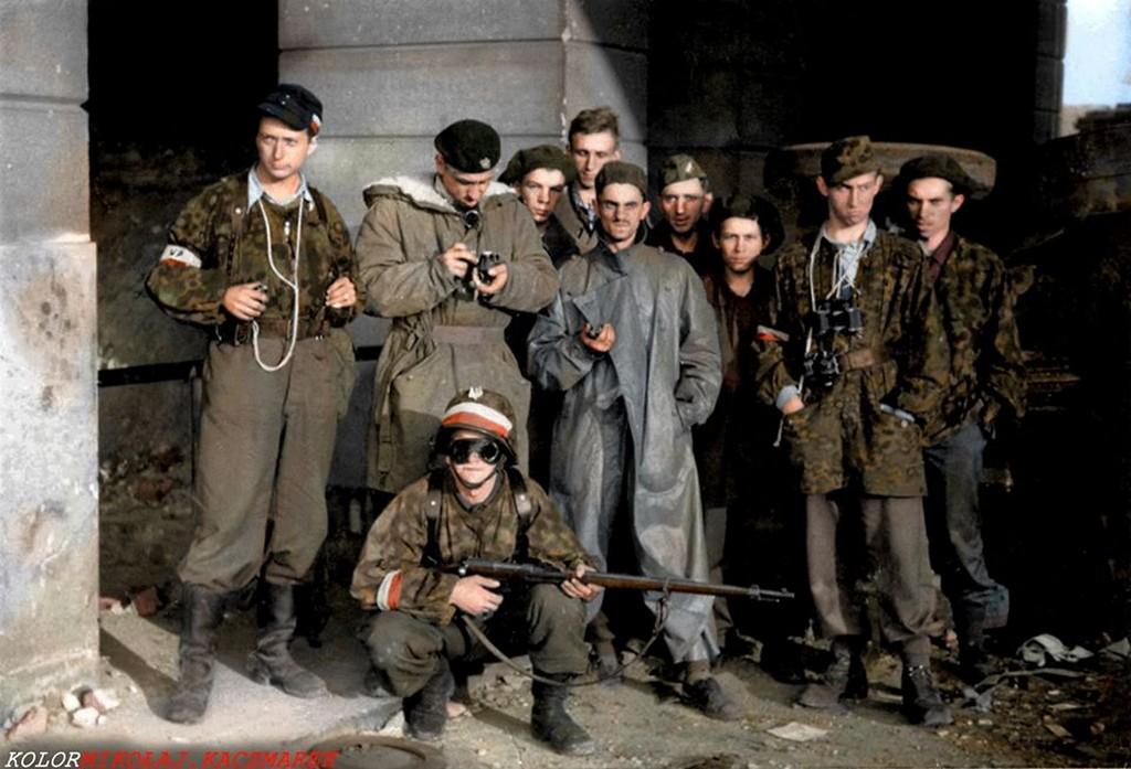 1944_augusztus_eleje_varsoi_felkelok2.jpg