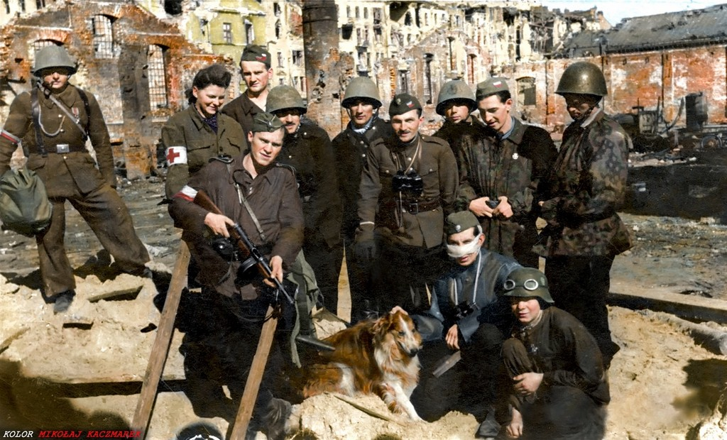 1944_varsoi_felkelok_a_chrobry_ii_csoportbol_aminek_mintegy_3200_tagja_volt.jpg