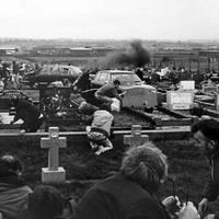 TEGNAPELŐTTI HÍRADÓ: A Milltown temetői mészárlás - 1988