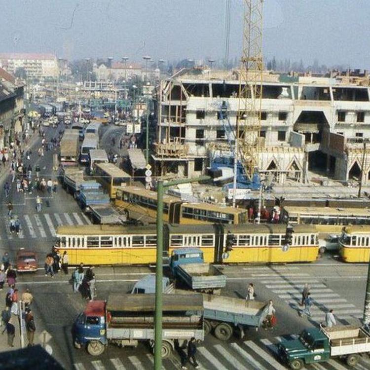 TEGNAPELŐTTI HÍRADÓ - Taxisblokád 1990