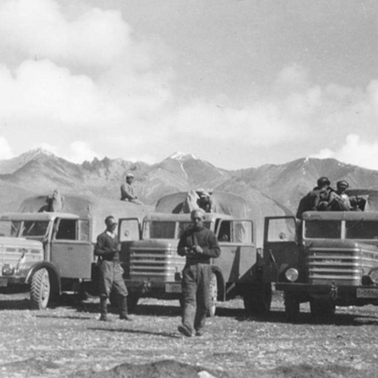 Csepelek Tibetben 1956.
