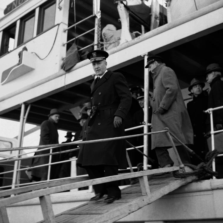 Byrd admirális óriás hójárója