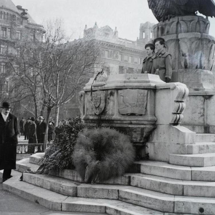 Így reagáltak Trianonra a két világháború közt városaink