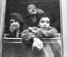Gyermekvédő akció a világháborúk után