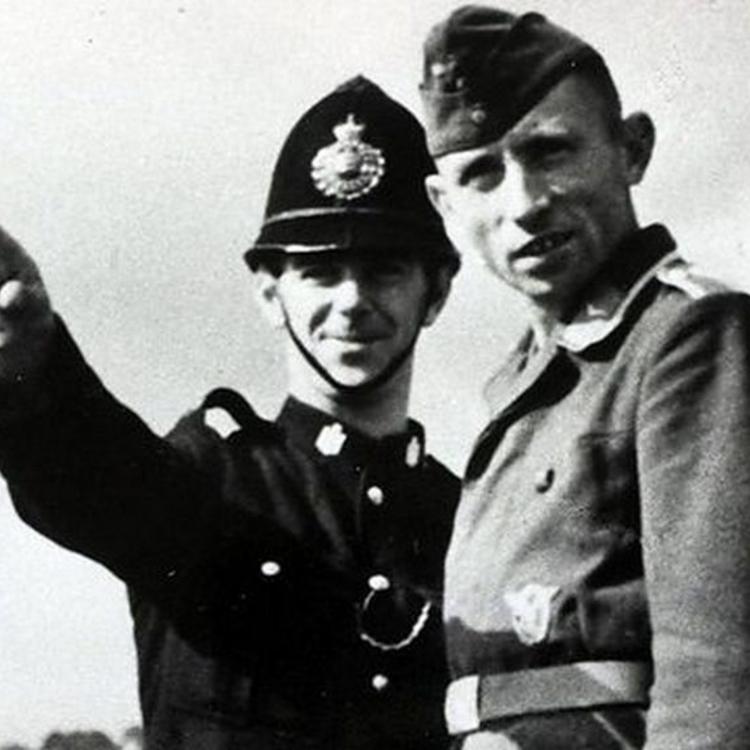 Olvasnivaló - 32. Német megszállók a Brit-szigeteken