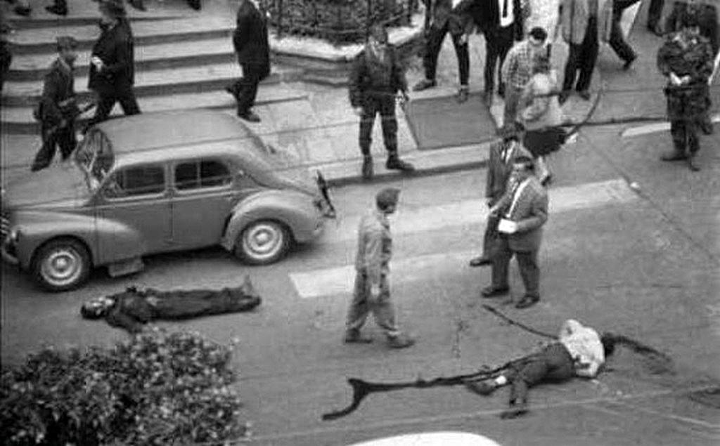 20_1961_oktober_algeriaiak_holtteste_parizs_utcain.jpg