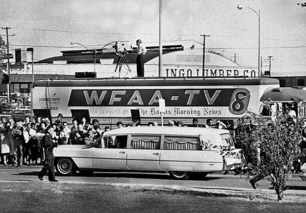 1963. Kennedy holttestét szállító autó..jpg