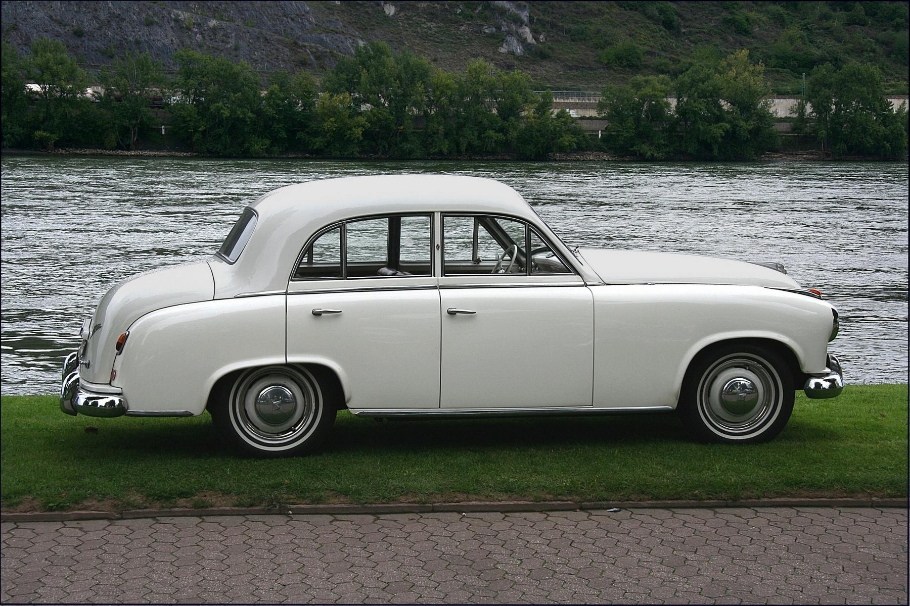 1952_Borgward_Hansa_1800_2.jpg