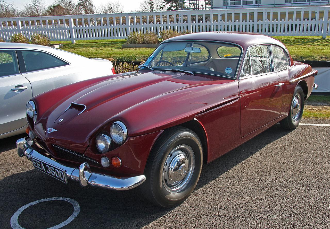 1962_Jensen_CV8_red.jpg