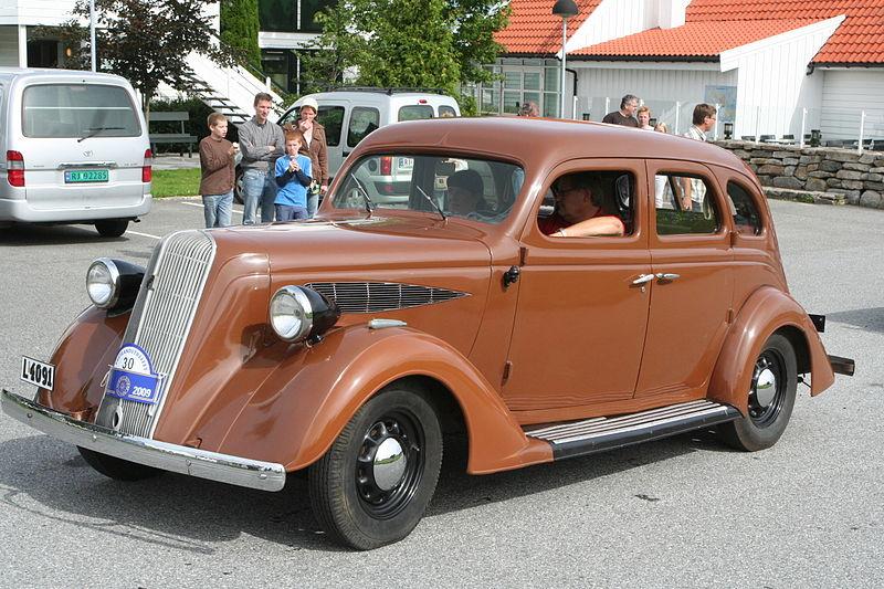 1936_Nash_400_de_Luxe.JPG