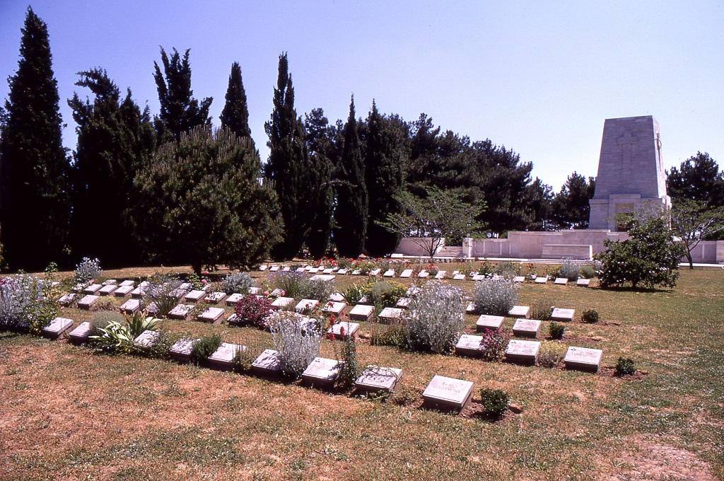 Mintegy ezer ausztrál katona maradványait őrző Lone Pine temető Gallipolinál.