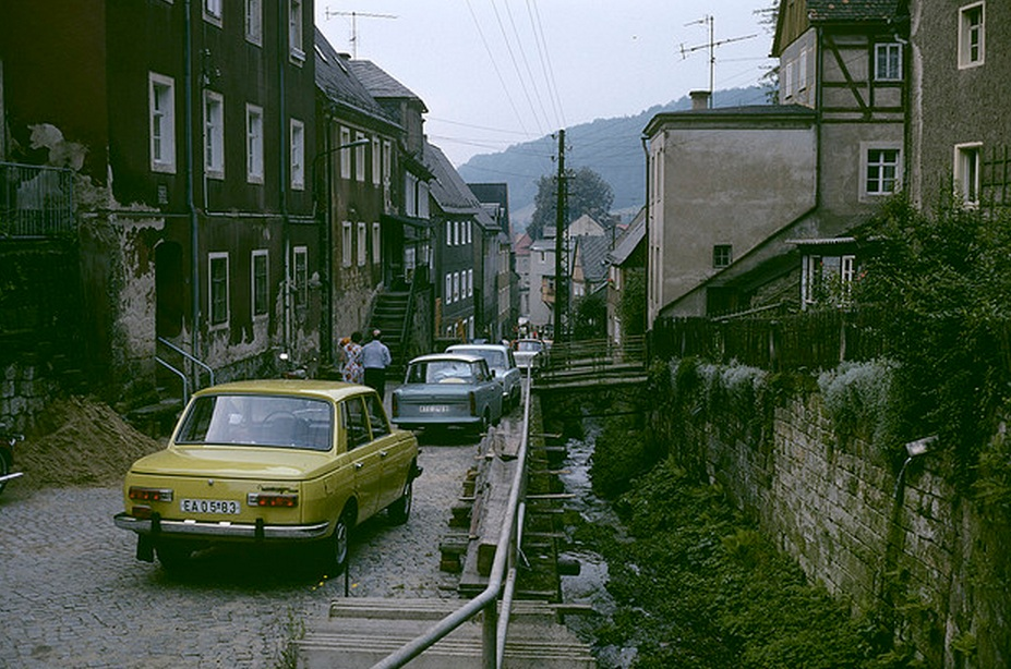 1977. Königstein, utca az Elbához..jpg