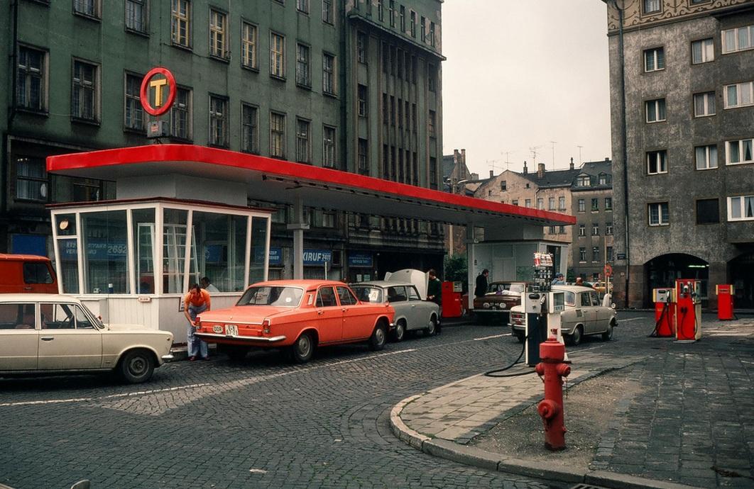 1977. Lipcsei benzinkút..jpg