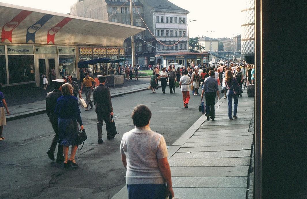 1979. Lipcsei utcakép..jpg