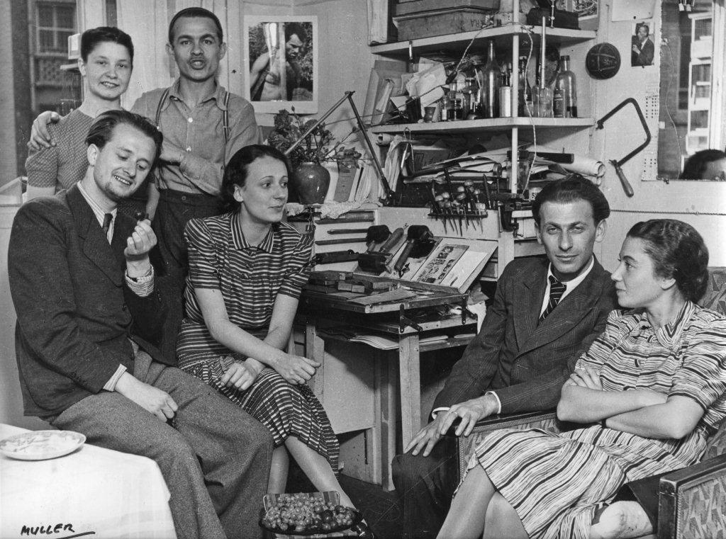 19_a_koffan_ortutay_es_radnoti_hazaspar_a_koffan_muteremben_a_falon_muller_miklos_kubikos_fotoja_1939_nyara.jpg