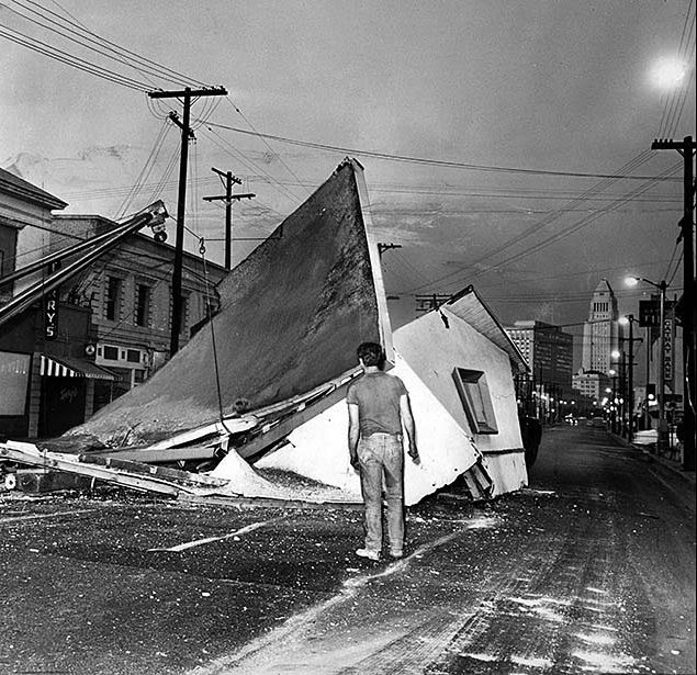 houses_moving_in_los_angeles_in_the_past_04_.jpg