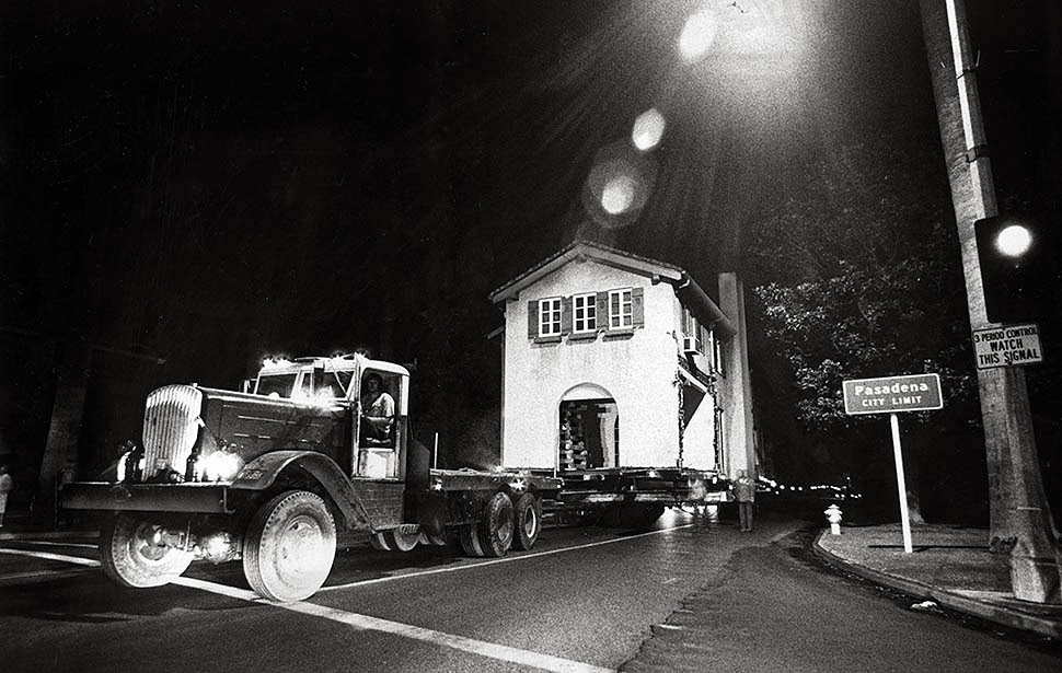 houses_moving_in_los_angeles_in_the_past_05_.jpg