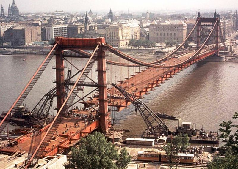 1962-Erzsébet_híd_építése.jpg