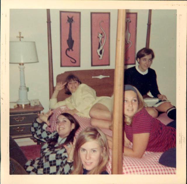 polaroid_prints_of_teen_girls_in_the_1970s_2812_29.jpg