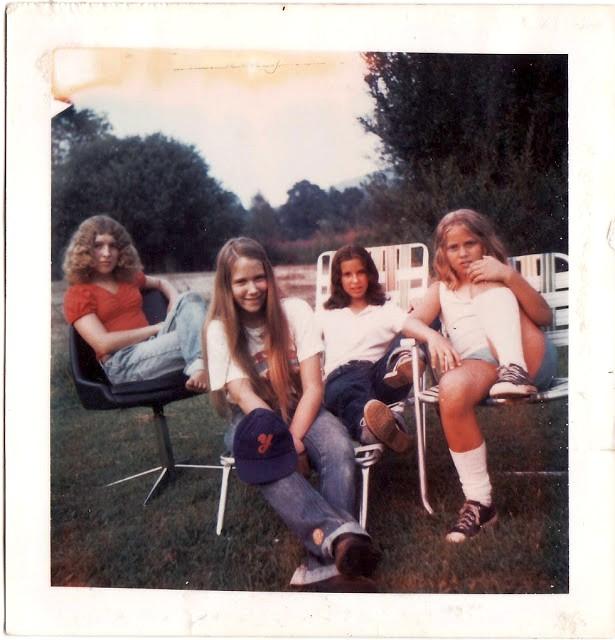 polaroid_prints_of_teen_girls_in_the_1970s_2820_29.jpg