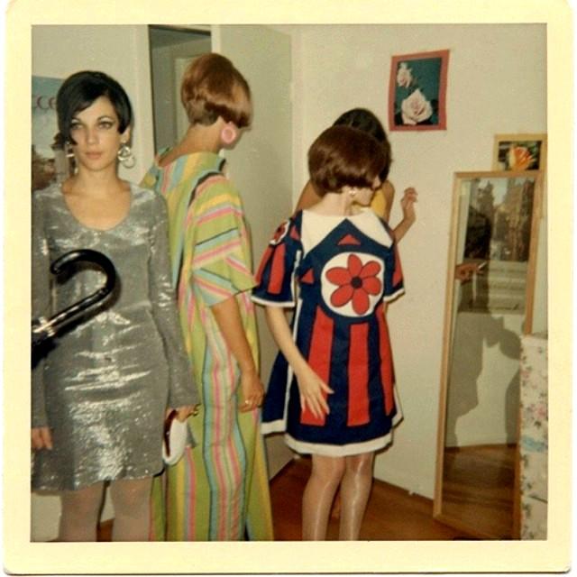 polaroid_prints_of_teen_girls_in_the_1970s_284_29.jpg