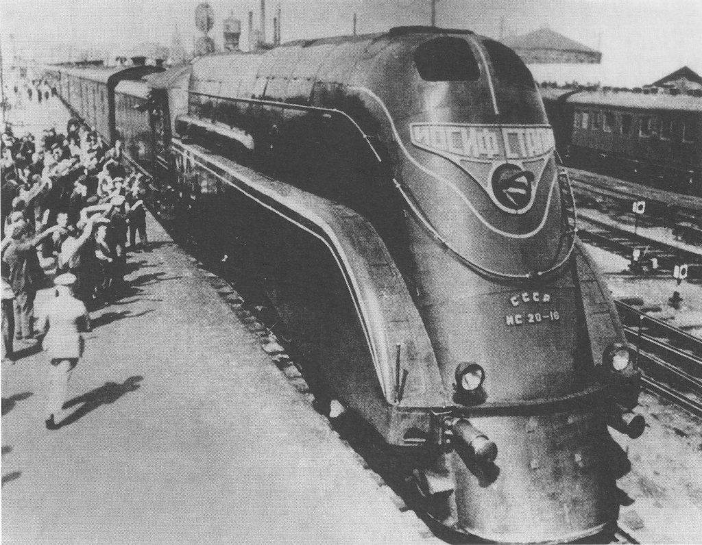 1937_joszif_sztalin_gozmozdony_a_szovjetunioban.jpg