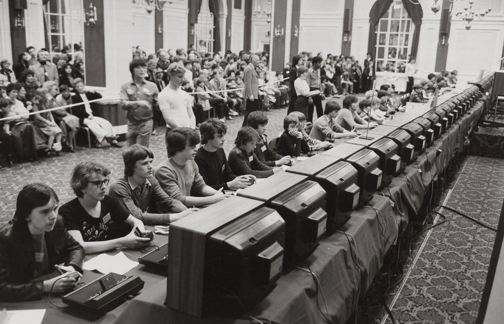 1980_az_atari_altal_rendezett_elso_nemzeti_space_invaders_bajnoksag_az_allamokban.jpg