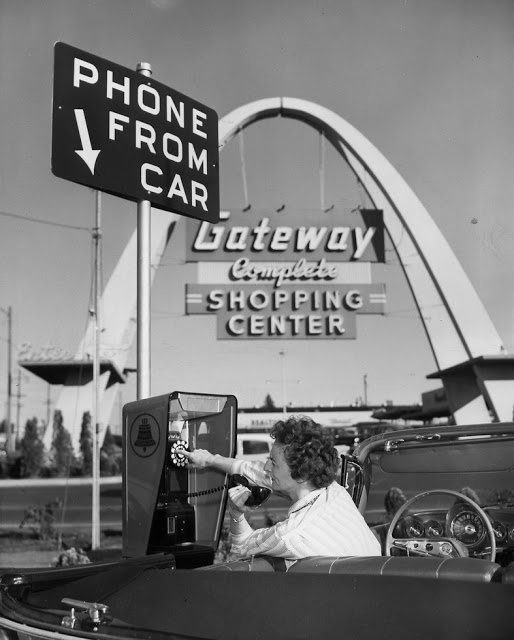 1955_usa_phone_from_car_ca_1950s.jpg